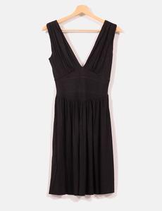 Vestido licra escote en pico Zara